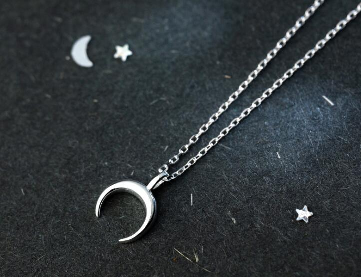 very tinny SMALL 100% REAL. 925 Sterling Silver Fine Jewelry polished Crescent Moon pendant Necklace GTLx1716