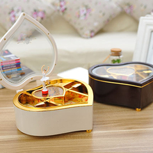 New Heart Shape Dancing Ballerina Music Box Girls Carousel Hand Crank Music Box Wooden Mechanical Musical Box For New Gift