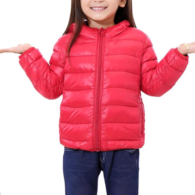 Invierno de Los Niños Delgados Chaquetas Ultra Ligero Unisex Embroman la Capa Con Capucha Niño Niño Niña Delgada Outerwears Cálidos