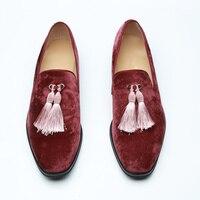 Кисточкой Украшенные слипоны низкие Для мужчин повседневная обувь замшевые Мужская обувь квадратный носок Chaussures Homme Plus Размеры бренд Обувь