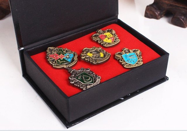 Free shipping Harry Potter  Hogwarts House badge pin 5 pcs in one set