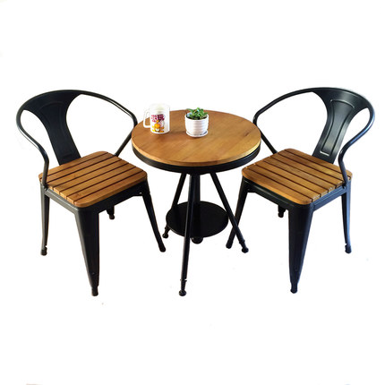 Wood preservative tables and chairs outdoor leisure cafe tea shop outdoor plastic wood seat metal frame chair and table set european leisure tables and chairs fashion leisure sofa chair small coffee table beauty salon to discuss the single chair 3pcs