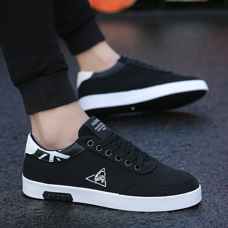 Spring 2019 New Korean Fashion Men's Shoes 100 Sets Of Leisure Canvas Shoes Men's Sports Student Breathable Slipper Shoes