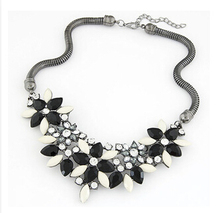 Ahmed Jewelry Newest For Women Gift 3 Colors Flowers Temperament Rhinestone Metal Yi Gu Choker Statement Necklaces & Pendants