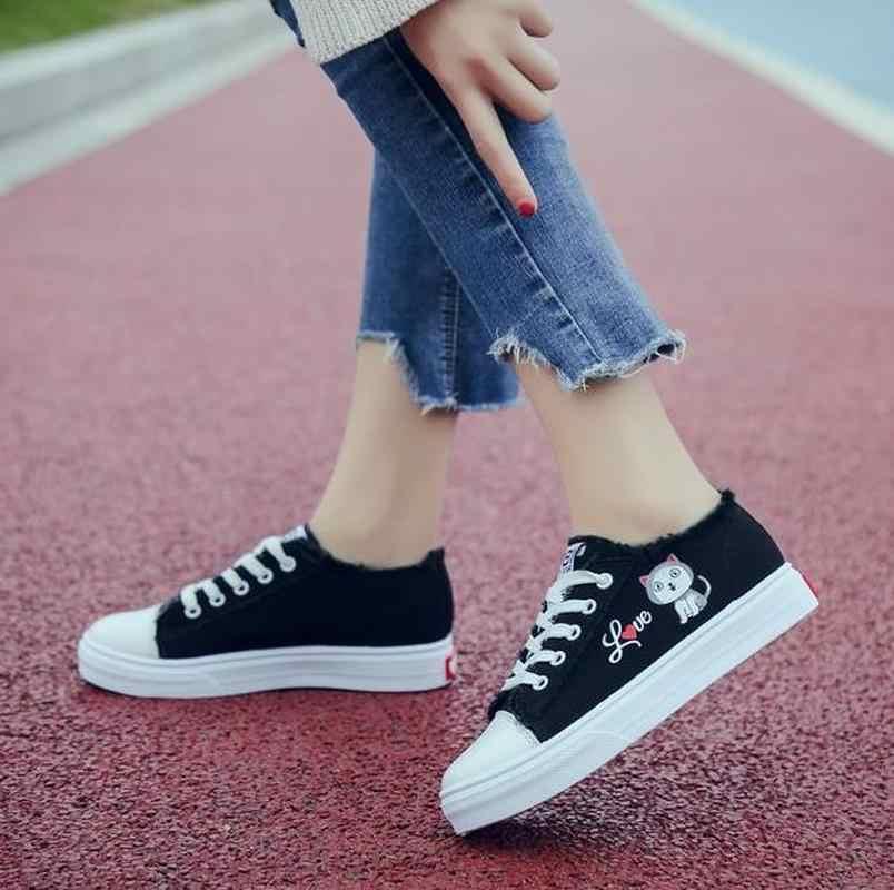Sapatos de lona femininos pequenos sapatos brancos 2019 primavera nova plana sapatos casuais femininos plataforma sapatos planos femininos zapatos de mujer
