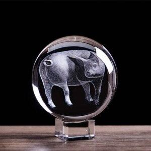 Zodíaco porco esfera de vidro estatuetas 3d laser gravado animal piggys bola cristal com suporte casa arte collectible decoração artesanato presente