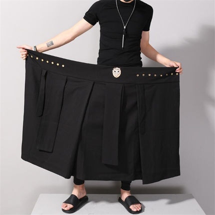 2018 man han edition black nine points divided skirt Male personality culottes nightclubs around the stylist working clothes