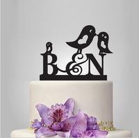 Miłość Serce Hollow-Out Para Ptaki z Początkowej Dwa Wedding Cake Topper Litery Zwyczaj Ślub Wykaszarki Strona Dekoracji