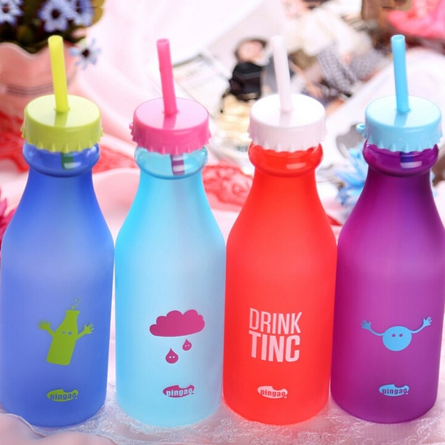 High Quality Unbreakable Water Glass Soda Bottle Sports Portable Plastic Double Lids Straw Water Bottle Creative Water Cup