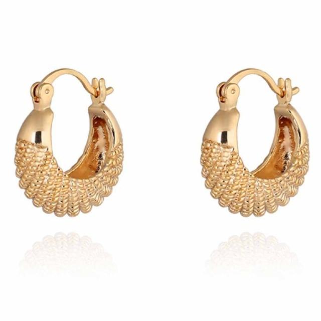 0f255d43b Aretes de oro de moda de estilo veraniego CC diseño Simple joyería fina  aretes pequeños para