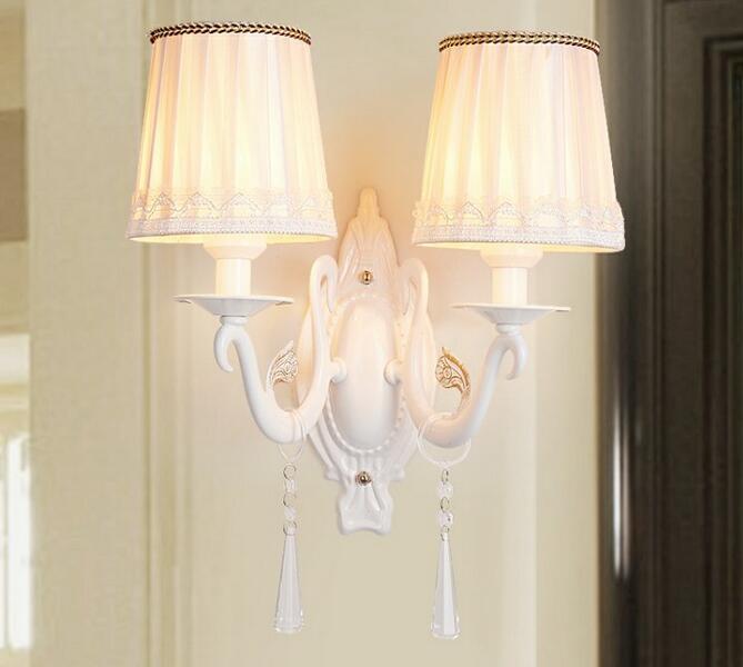 Европейском стиле настенные белая ткань фонари прикроватные лампы спальня гостиная проходу огни творческий светодиодные лампы