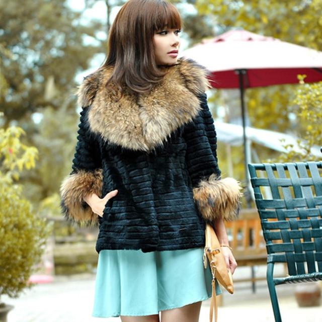 Newest Lady Fashion Real Sheared Rabbit Fur Coat Jacket with Raccoon Fur Collar Women Warm Winter Outerwear