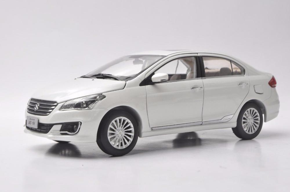 1:18 Diecast Model For Suzuki Alivio Ciaz White Sedan Alloy Toy Car Miniature Collection Gifts