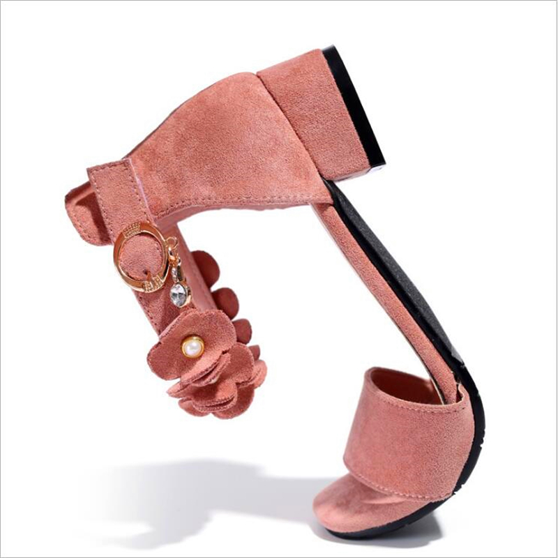 fdfe176c2401 2018 Summer New Style Elegant Girls Sandals princess Flowers Pearl Small  high heeled Child Student Little girl Fashion Sandals-in Sandals from  Mother   Kids ...