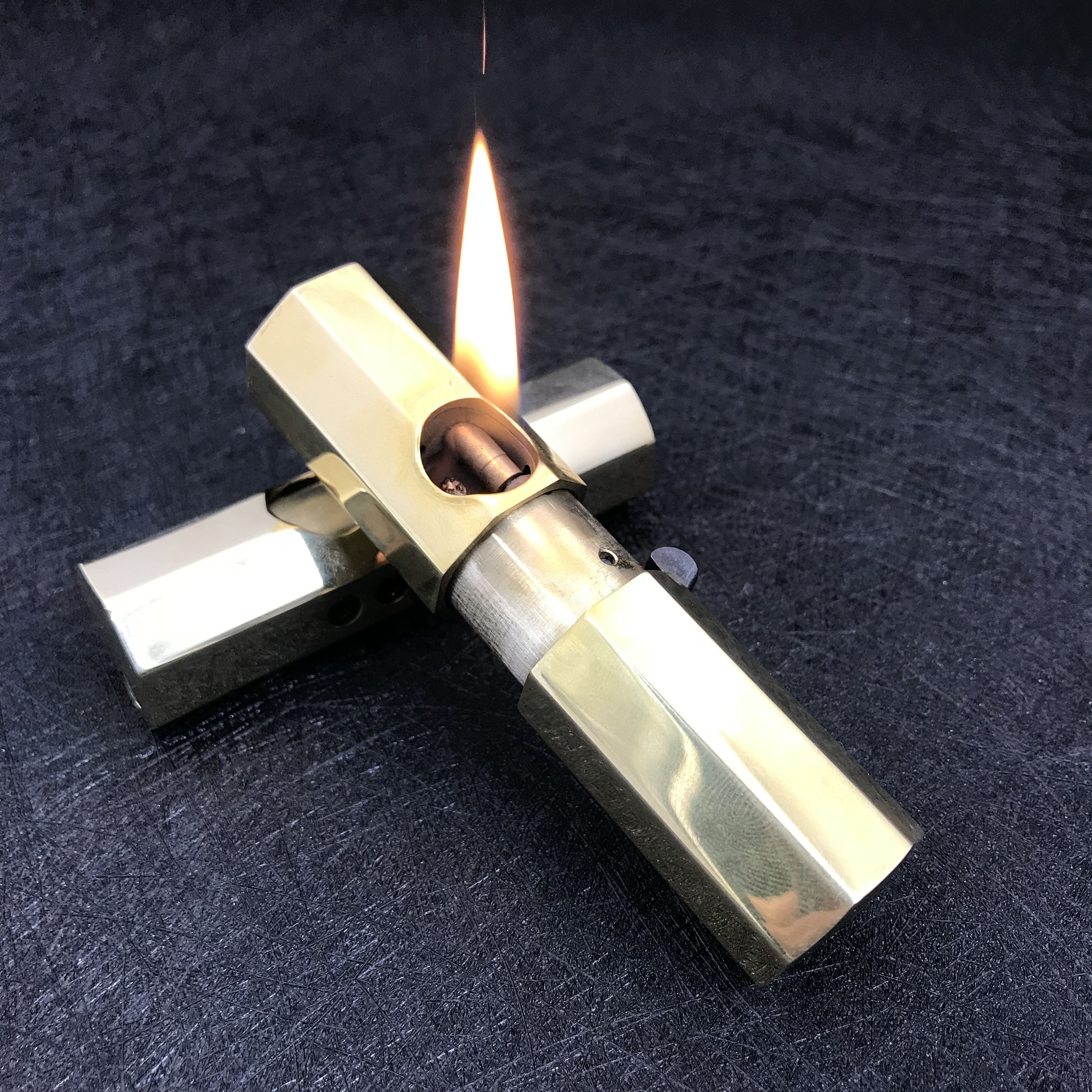 Vintage brass kerosene lighter, automatic ejection ignition, 190g 86*24mm-in Cigarette Accessories from Home & Garden    1