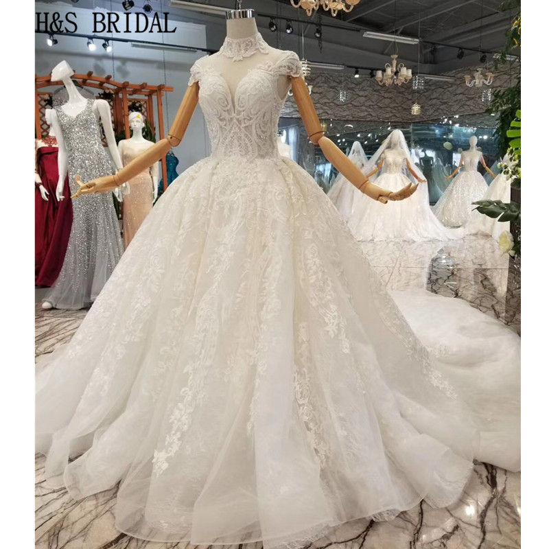 Luxury Ball Gown Ivory Wedding Dresses With Veil High Neck Short Sleeve 3d Flower Bridal Dresses Cathedral Train Robe De Mariee