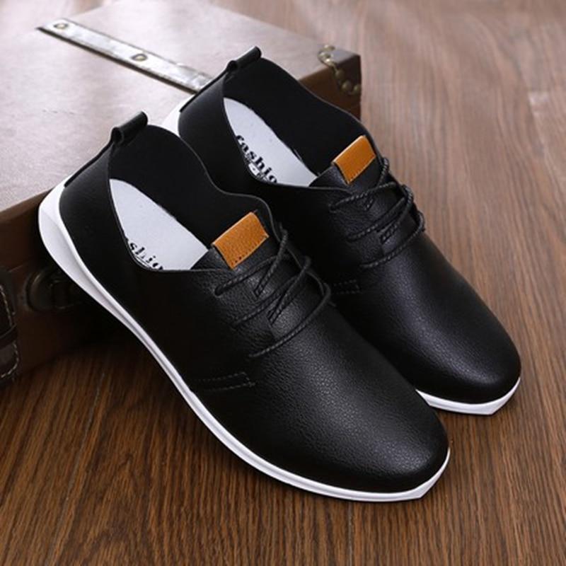 aca41140c6 2018 primavera verão homens Casual sapatos Mocassins de couro branco sapatos  masculinos respirável flats oxfords low lace up sapatos Los zapatos em  Calçados ...