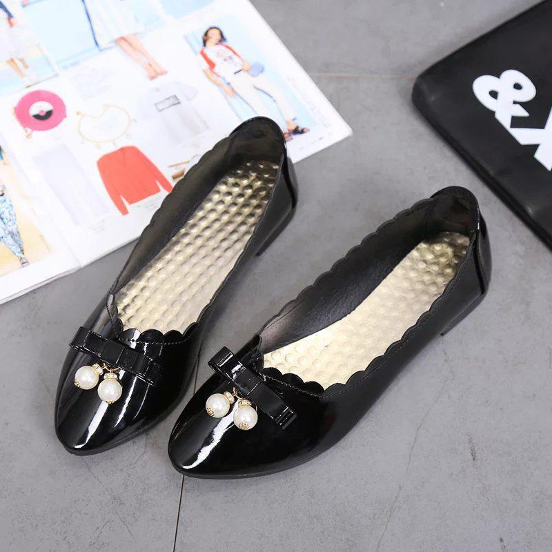 Sweet Bowtie Flats Women Shoes 2017 Spring Summer Wave Pearl Patent Leather Flat Shoes White Black