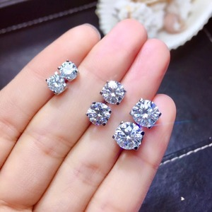 Image 1 - Moissanite ongles à oreilles en argent Sterling 925, recommandation de style populaire, produits de remplacement en diamant à haute dureté