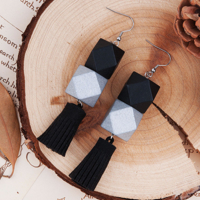 8SEASONS Fashion Women Earrings Silver-gray Black Square Wooden Beads Black Sued
