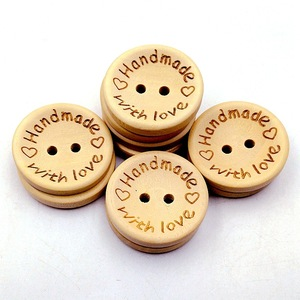 50Pcs/lot 15mm/20mm/25mm Natural Color Wooden Buttons Handmade Letter Love Scrapbooking For Wedding Decor Sewing Accessories