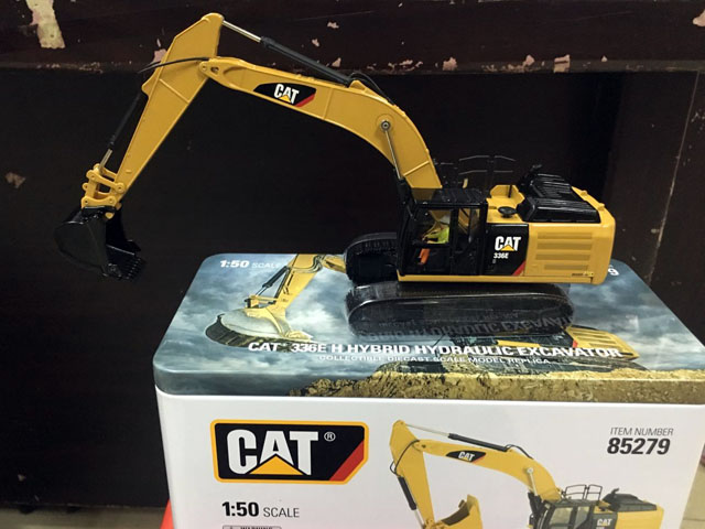 RARE Caterpillar Cat 336E H Hybrid Hydraulic Excavator 1 50 DieCast By DM 85279