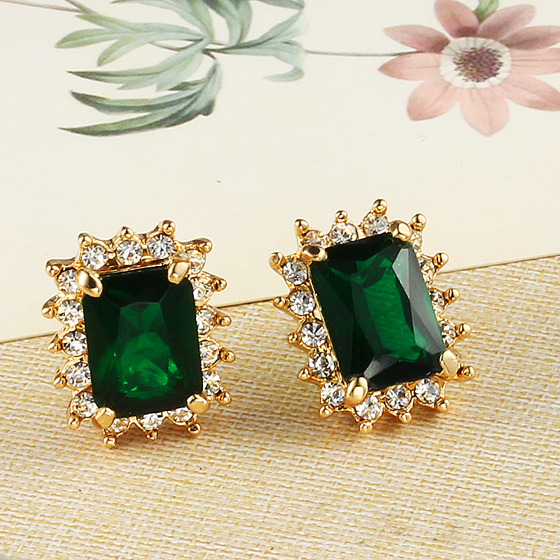 photos celeb full green earrings inspired emerald gold wedding