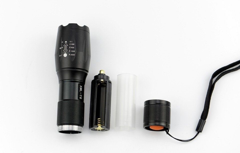 geekoplanet.com - Powerful Rechargeable Led Flashlight