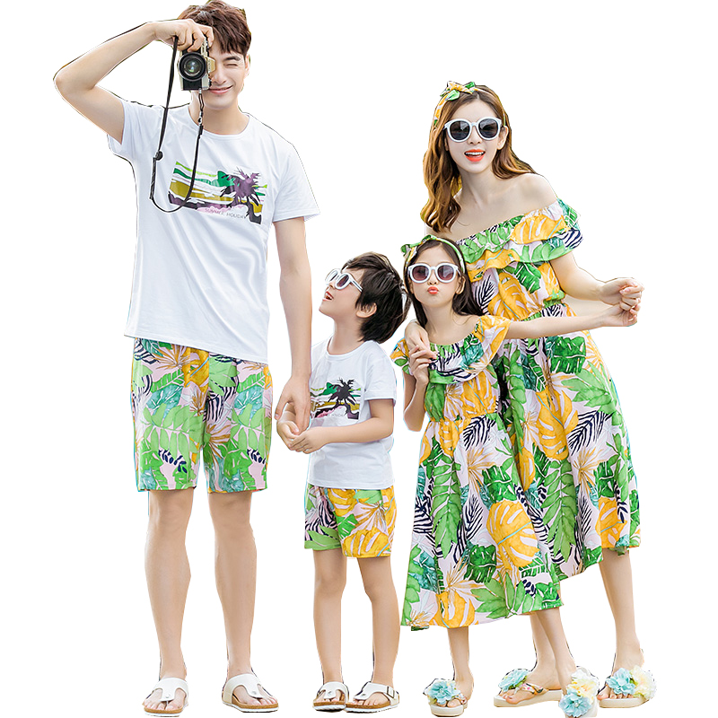 Summer season Household matching outfits mom daughter clothes Inexperienced father son cotton Tops+shorts units household look 2019 Matching Household Outfits, Low cost Matching Household Outfits, Summer season Household matching...