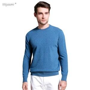 Image 1 - 판매 Morandi 색상 겨울 새 브랜드 남자의 o 목 100% 괜 찮 아 요 양모 스웨터 기본 풀 오버 남자 크리스마스 Blusas Masculina