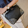 Stud Handbag 2017 Hot Small Bag Women Handbag Knitted Punk Crossbody Bag Small Purse Crossbody Women Bag with Studs Chain