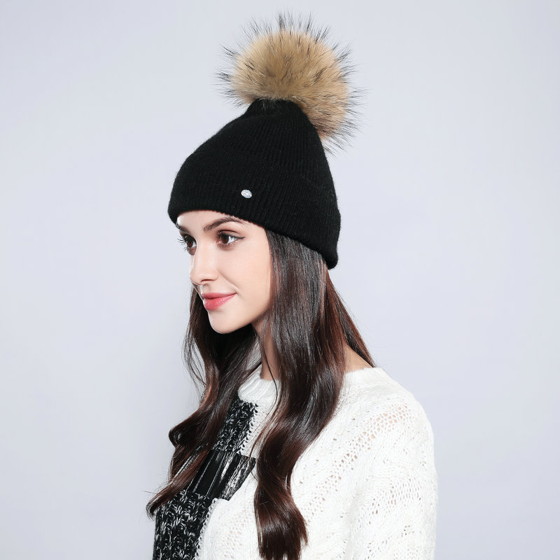 2019 New Cotton Wool Warm Knitted Cap Women's Winter Hats Real Raccoon Fur Solid Casual Pompom   Skullies     Beanies   12501