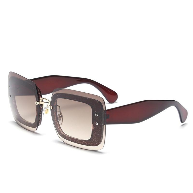 Última Moda Óculos De Sol Mulheres Flat Top Estilo de Design Da Marca óculos  de Sol Do Vintage Feminino Rebite Brilhante Shades Big Quadro Shades R588  em ... c41ab7f098
