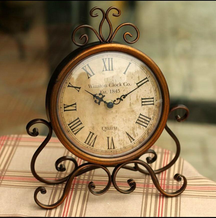Europa Tipo de Reloj Que Restaura Maneras Antiguas Marco Creativo ...