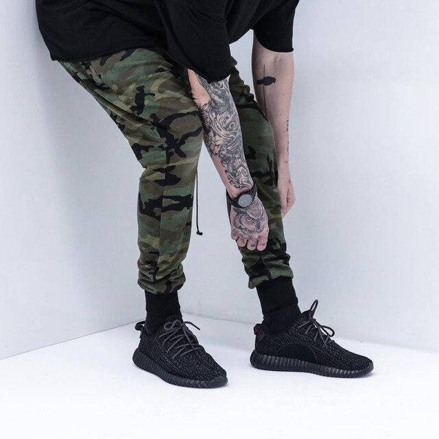 5de6418f92794 Cool Fashion Mens Joggers Pantalones Hip Hop Pantalones Harem Joggers  Camuflaje Militar kanye west Hombres Skate