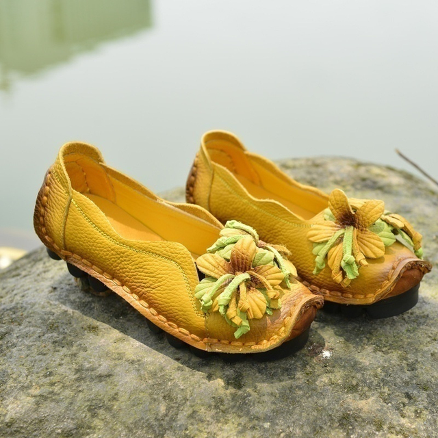 fc609c62614 Socofy Genuine Leather Handmade Flower Loafers Soft Flat Casual Shoes