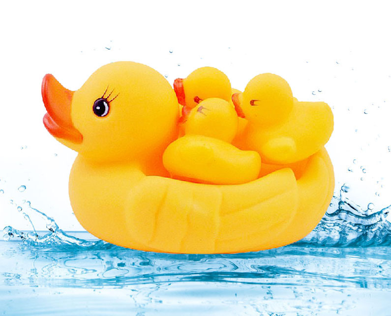 Hot Sell 4pcs/set Bathroom Baby Rubber Duck Mother and Three Duck Babies Family Swimming Bath Water Toys