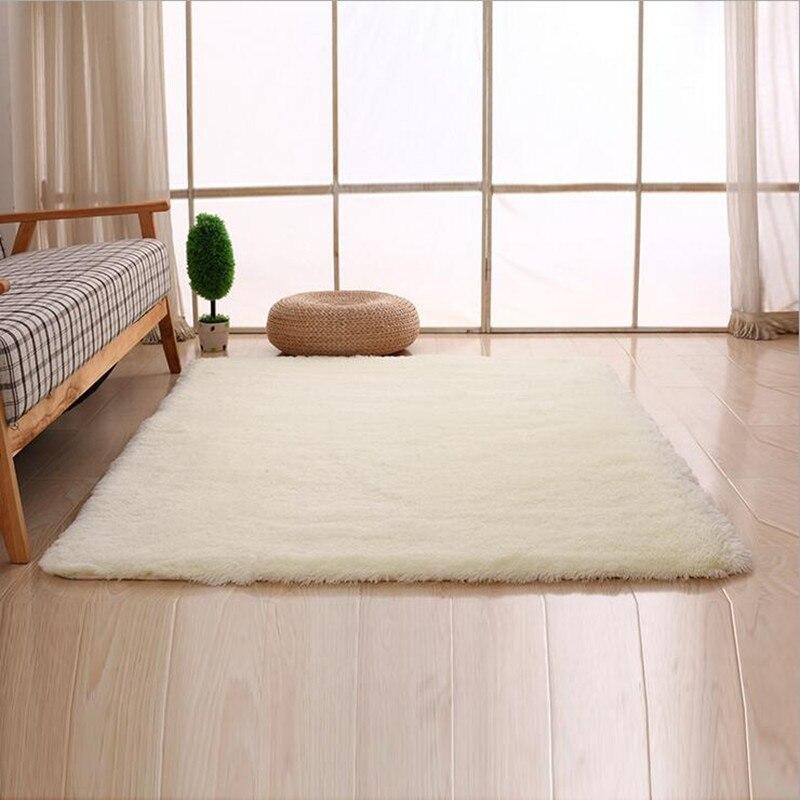 두꺼운 베이지 / 블루 / 크림 / 회색 / 핑크 / 레드 14 색 침대 옆 깔개 슈퍼 푹신한 얽히고 설킨 바닥 매트 기계 빨 카펫
