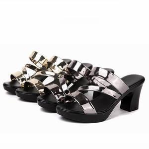 Image 2 - GKTINOO sandalias deslizantes para mujer, zapatos de tacón alto grueso, con plataforma, para verano, 2020