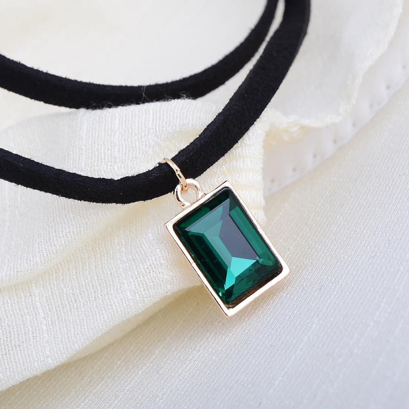87fbdbd2759f7 US $0.99 |Vintage Women Black Velvet Choker Charm Necklace Pendant Gothic  Retro Punk Boho Black Green Square Crystal Steampunk Jewelry -in Choker ...