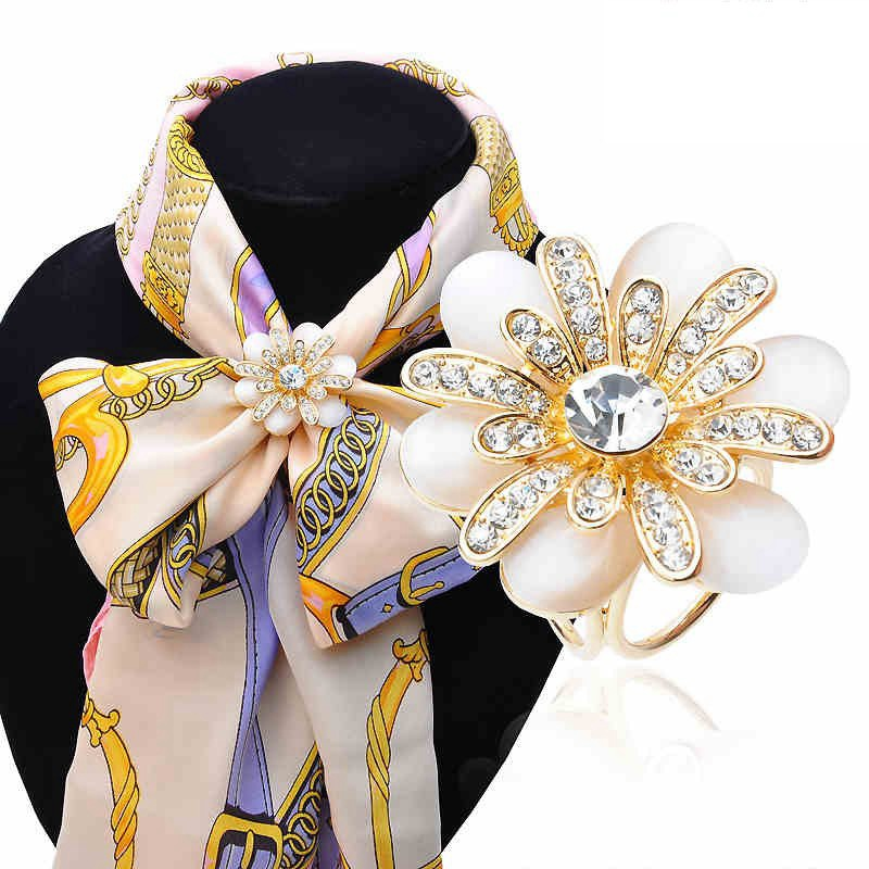 New Arrival High Quality Fashion Jewelry Buckle Woman Accessary Three Simple Flash Crystal Opal Flower Scarf Brooch