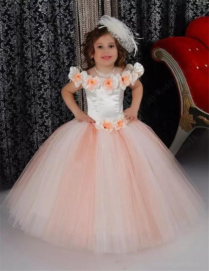 цена на Lovely Puffy Pink Flower Girls Dresses For Wedding Satin Ruched Jewel Neckline First Communion Kids Gowns Bow Top Quality