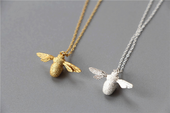 honey silver yaxing honeybee little l necklace com bumblebee pendant bee dp oxidized amazon sterling queen