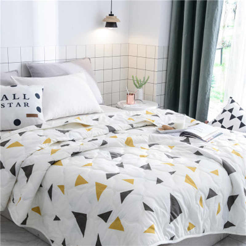 New Fashion Home Textile Flamingo Thin Summer Quilt Blankets Cartoon Comforter Bed Cover Quilting Suitable for Adults Kids