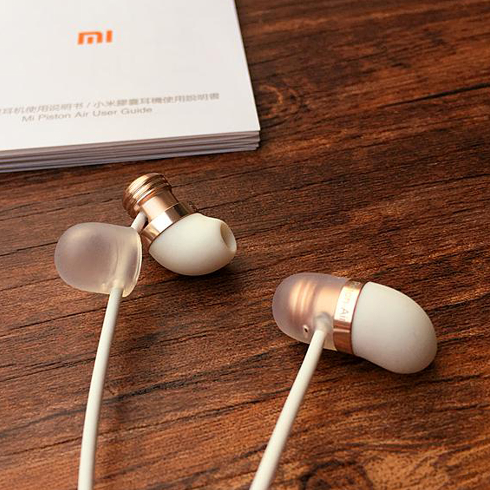 Original Xiaomi Piston 3 4 Capsule Earphone with Mic Remote Silicone Headset for Xiaomi IOS Phones In-Ear Computer MP3 Piston3 oringal xiaomi piston basic 3 5mm wire control earphone 1 25m music headset for ios android black
