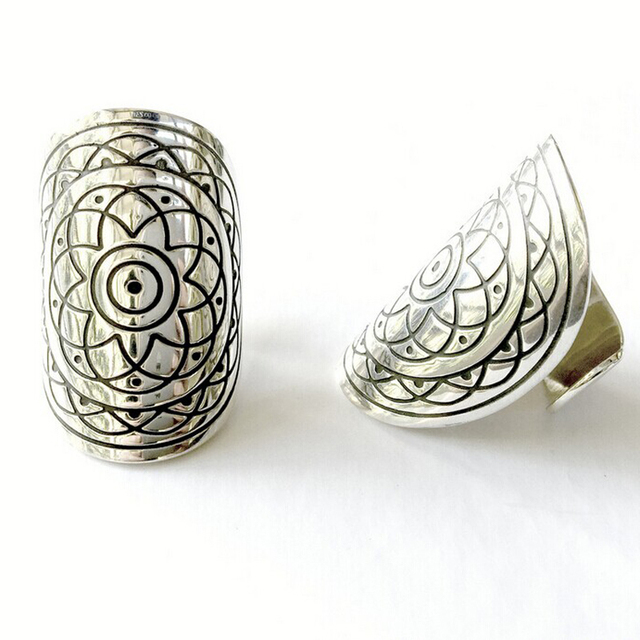 4pcs/1set Bohemia Boho Silver Carved Totem Finger Rings Set