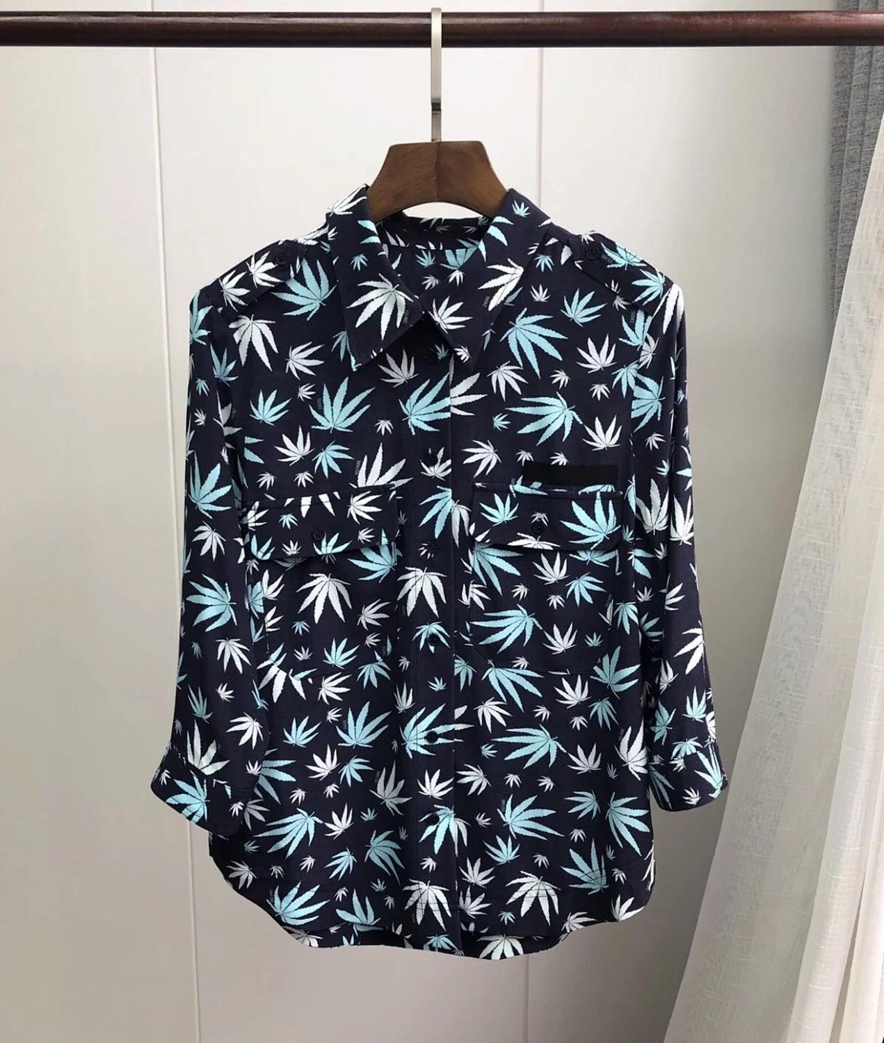 Women Double Pocket Maple Leaf Print Blouse 2020 New Turn Down Collar Casual Shirt