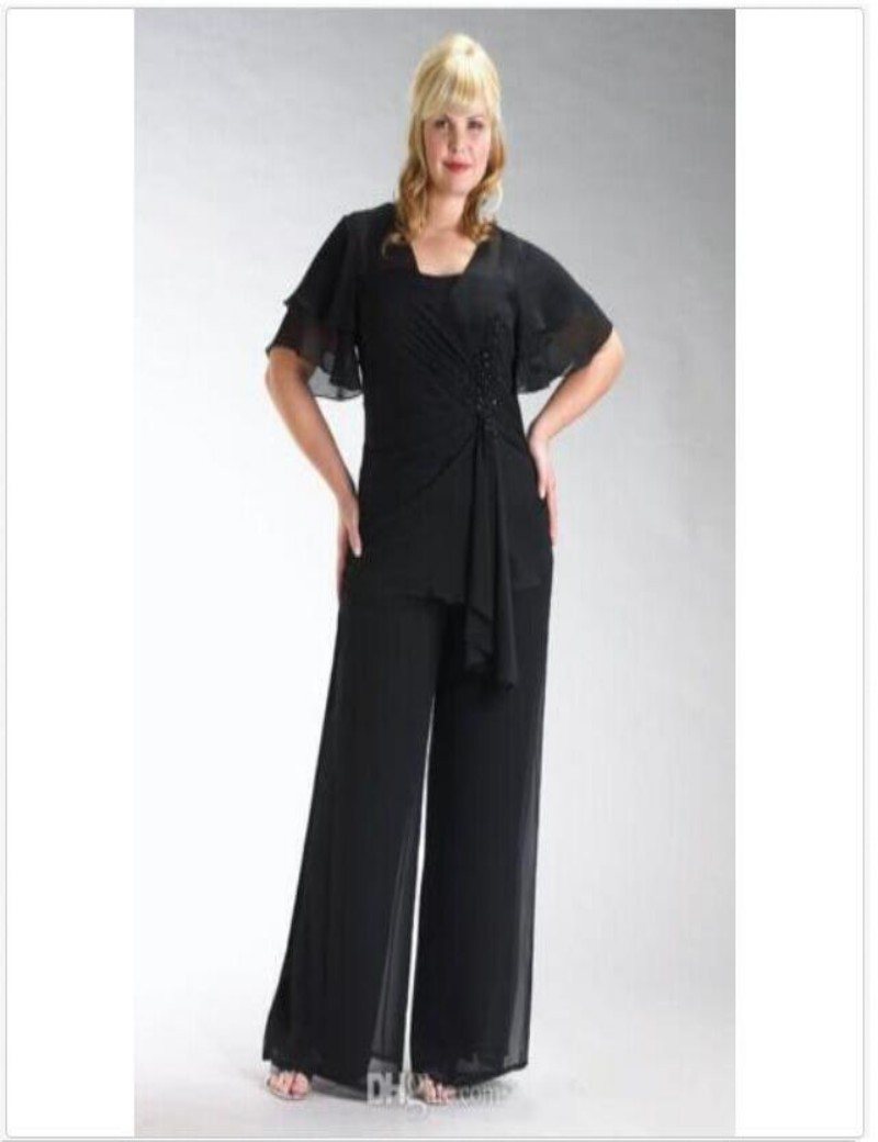 Plus Size Mother Of The Bride Pant Suits Elegant Two Pieces Black Chiffon With Short Sleeves Beading Mother Of The Bride Dresses