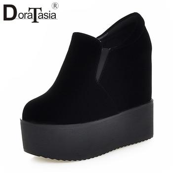 d6004c4ffbc1ee6 DORATASIA/черная Молодежная обувь на толстой плоской платформе, Женская  Осенняя коллекция 2019, без шнуровки, элегантная женская обувь, увеличива.