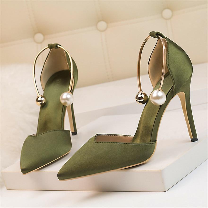2019 Neue Elegante Perle Metall Schnalle High Heels Frauen Sandalen Koreanische Mode Weiche Seide Spitzen Damen Schuhe Partei Sandalen Flach